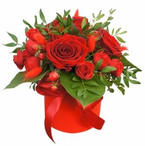 Raudona dėžutė - Gėlės į namus Vilniuje