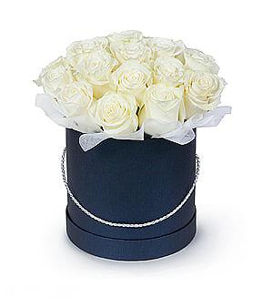 Rožės mėlynoje dėžutėje - Gėlės į namus Vilniuje